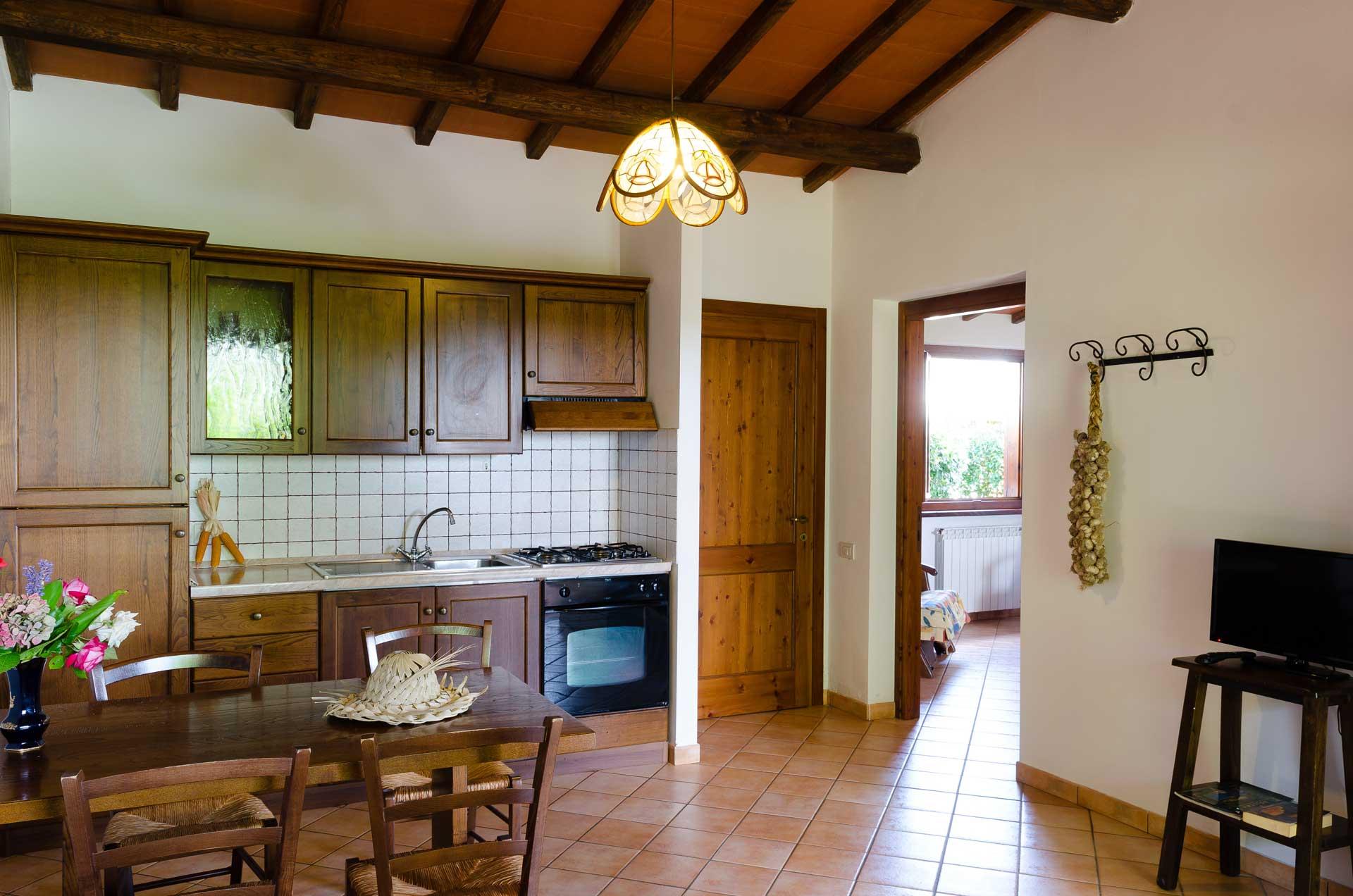 Appartamenti lago di bolsena agriturismo dolce vita con piscina e parcheggio coperto - Appartamenti con piscina ...